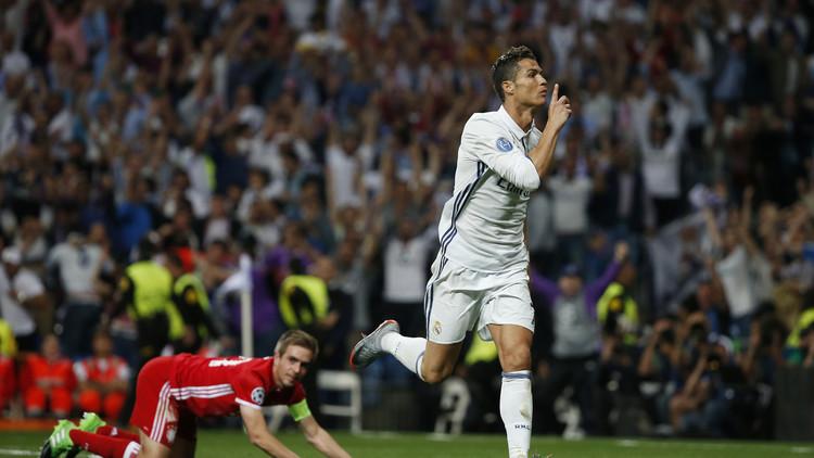 رونالدو : لاعب أعظم من عدة أندية عريقة