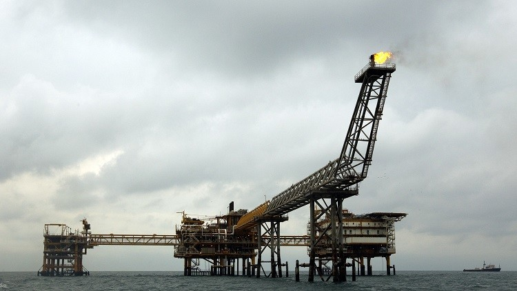 طهران بصدد إبرام عقود نفطية بـ80 مليار دولار