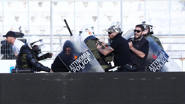 إصابة 40 مشجعا في نهائي كأس اليونان