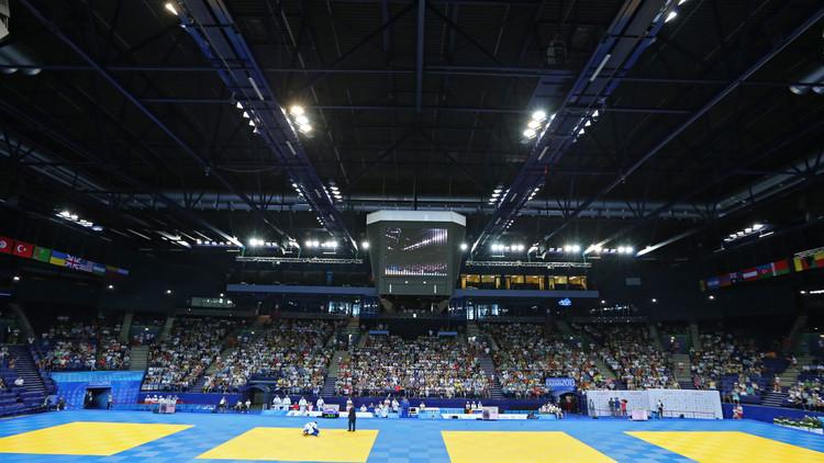 أكاييف يمنح روسيا ميدالية برونزية في بطولة أوروبا للمصارعة