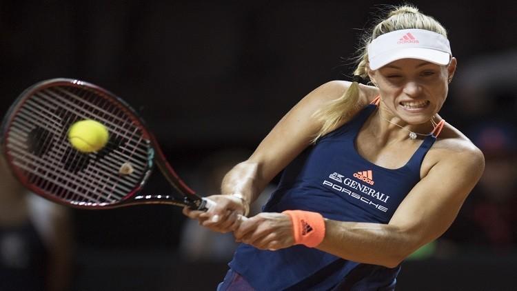 كيربر تشق طريقها بنجاح في بطولة مدريد المفتوحة