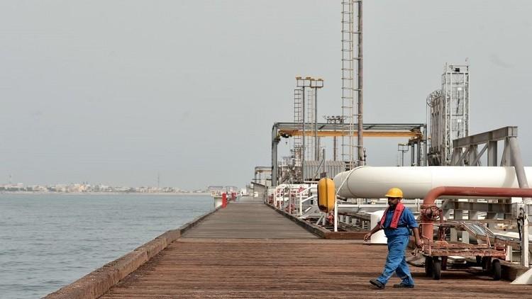 إيران تزيد إنتاج النفط في حقل مشترك مع السعودية