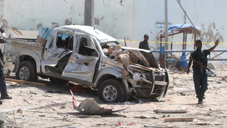 8 قتلى في تفجير انتحاري وسط عاصمة الصومال.. و