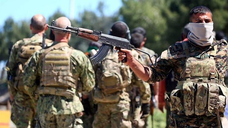 ترامب يوافق على مد وحدات حماية الشعب الكردية في سوريا بالأسلحة تمهيدا لمعركة الرقة