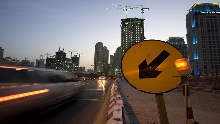 أبو ظبي تبدأ تنفيذ ابتكار مميز للسيارات المخالفة !