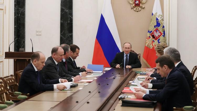 بوتين يبحث مع مجلس الأمن الروسي هدنة سوريا