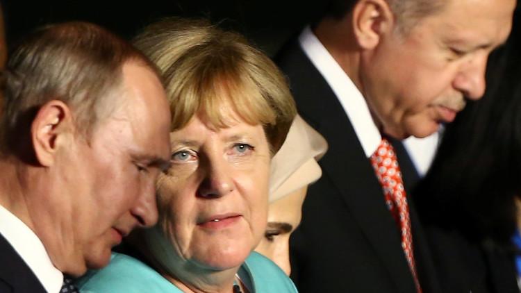 لافروف: علاقتنا بتركيا تتطور أفضل منها بألمانيا