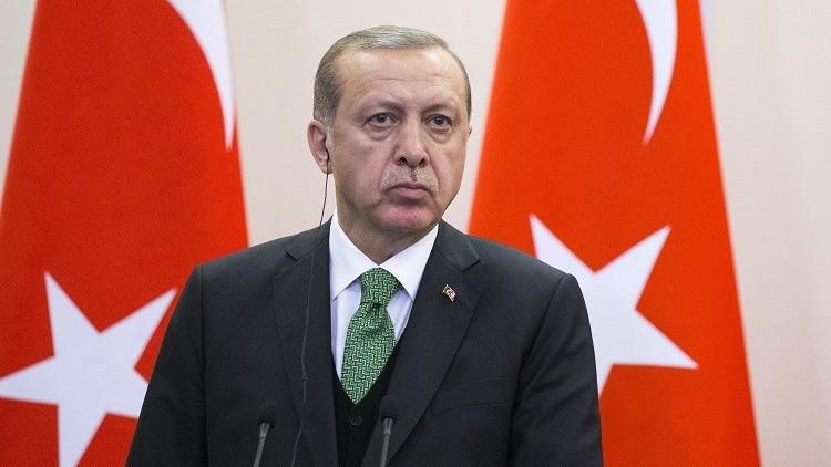 أردوغان يطالب واشنطن بالتراجع عن تسليح الأكراد في سوريا