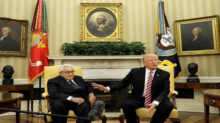 ترامب يستشير كيسنجر بشأن سوريا وروسيا
