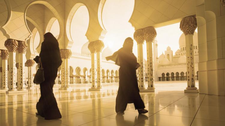 تهمة الاتجار بالبشر تلاحق أميرات من أبو ظبي