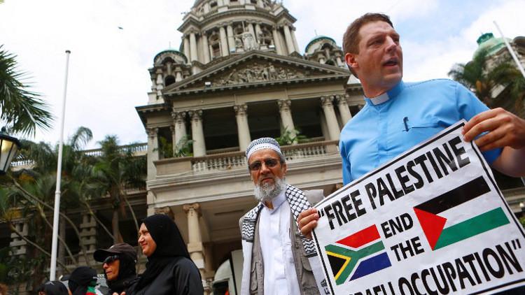 وزراء في جنوب إفريقيا يضربون عن الطعام تضامنا مع الأسرى الفلسطينيين