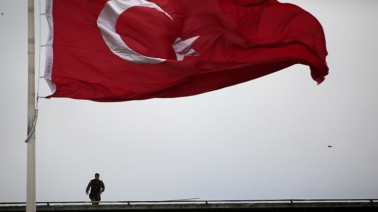 تركيا تحتجز العشرات من موظفي البورصة السابقين لصلتهم بغولن