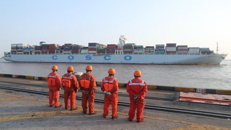 إنشاء ترسانة عالمية لخدمة السفن العابرة لقناة السويس