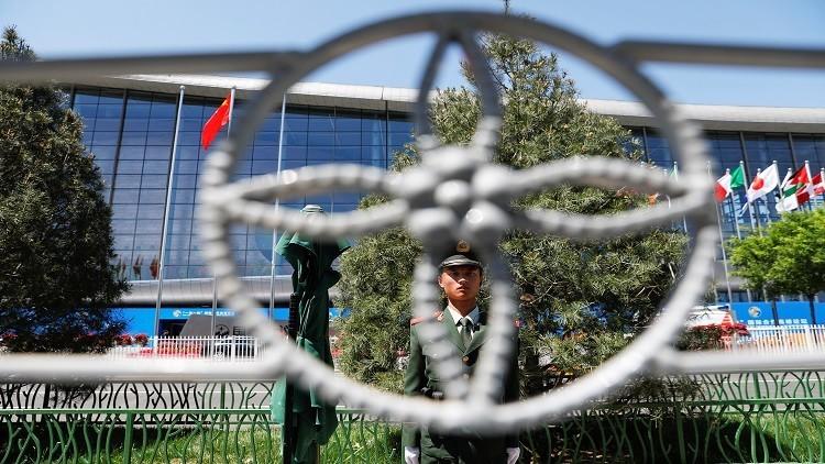 لقاء قصير بين وفدي الكوريتين في بكين