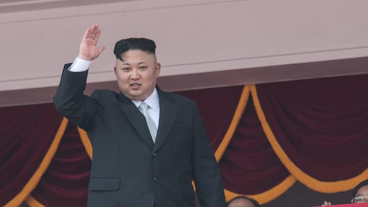 كيم يهدد بالانقضاض بالسيف على رؤوس الأمريكيين