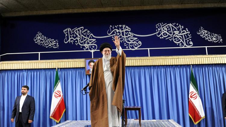 خامنئي: إيران جزيرة آمنة في بحر من العنف