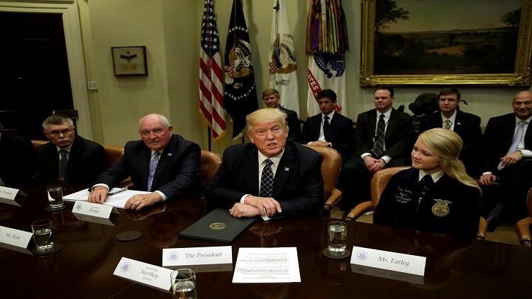 موظفون سابقون في الإدارة الأمريكية: تعامل إدارة ترامب مع المعلومات السرية غير مهني