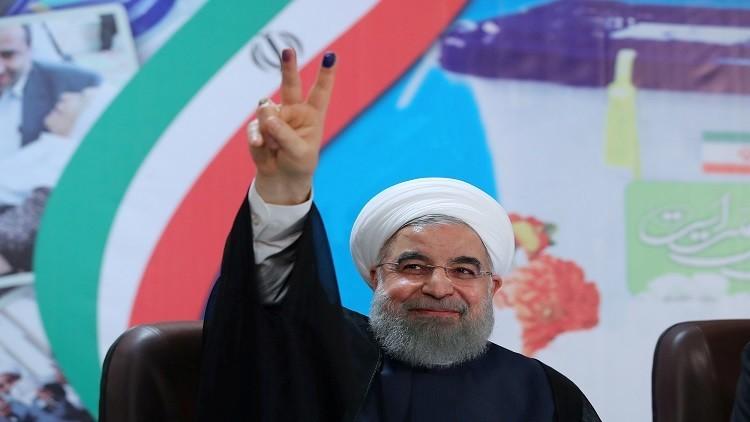 روحاني يطالب الحرس الثوري بعدم التدخل في الانتخابات