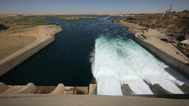 إبعاد خطر انهيار سد الفرات بعد تصريف المياه الزائدة