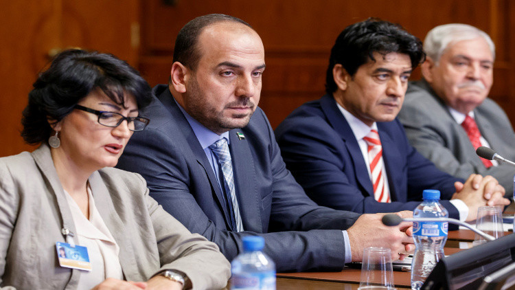 وفد المعارضة السورية يدعو لتشكيل هيئة حكم انتقالية