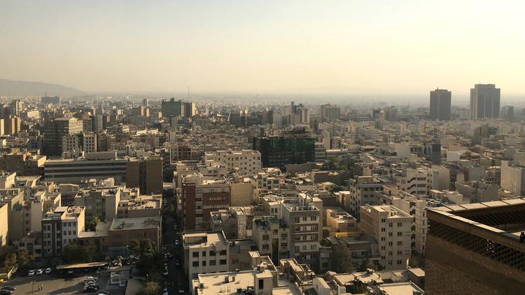طهران تعاقب 9 أمريكيين