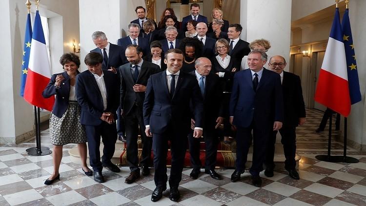 فرنسا.. ماكرون يترأس الاجتماع الأول لحكومته