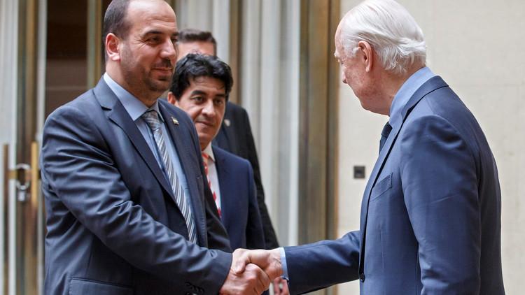 مكتب دي ميستورا يبحث موضوع الدستور السوري مع خبراء الهيئة العليا