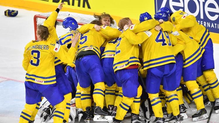 السويد بطلة للعالم في هوكي الجليد