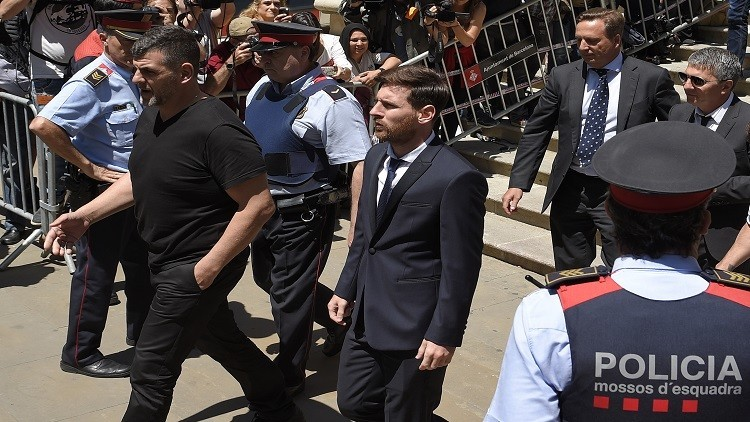 المحكمة العليا الإسبانية تؤيد سجن ميسي ووالده
