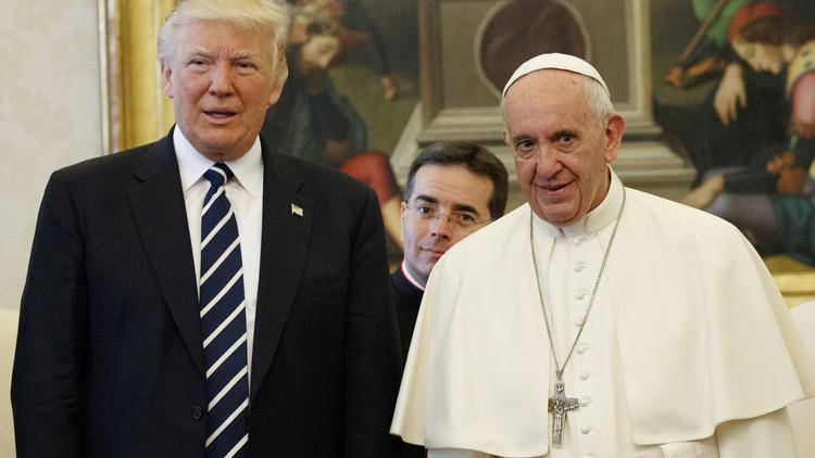ترامب يغرد منتشيا بشأن لقائه مع البابا