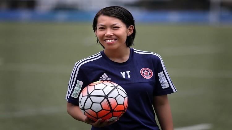 استقالة مدربة كرة القدم الأشهر من منصبها