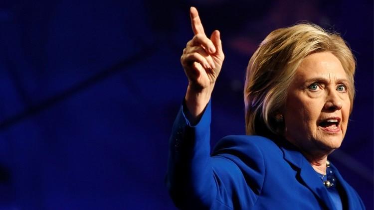 شبح بنغازي يتوقف عن ملاحقة كلينتون