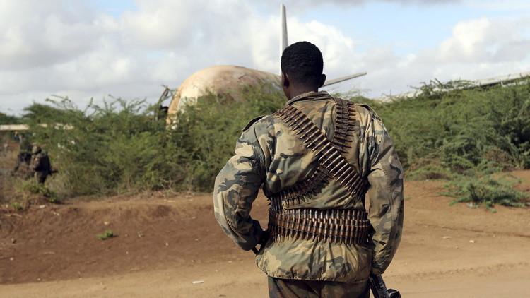 مقتل 6 وإصابة 15 بالرصاص وسط الصومال