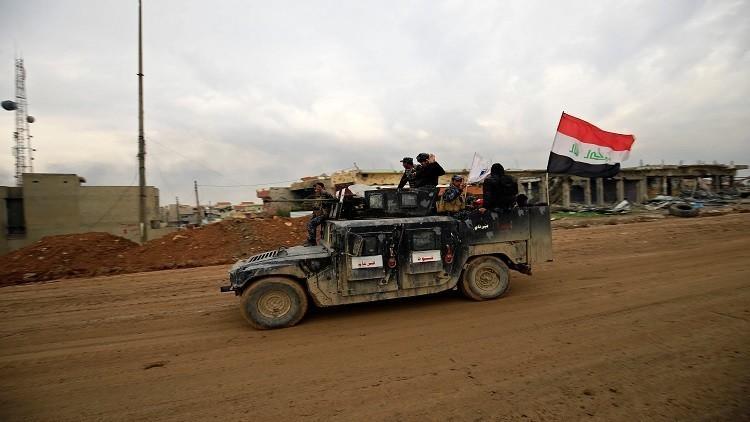 القوات العراقية تتوغل في غربي الموصل مع وصول العبادي