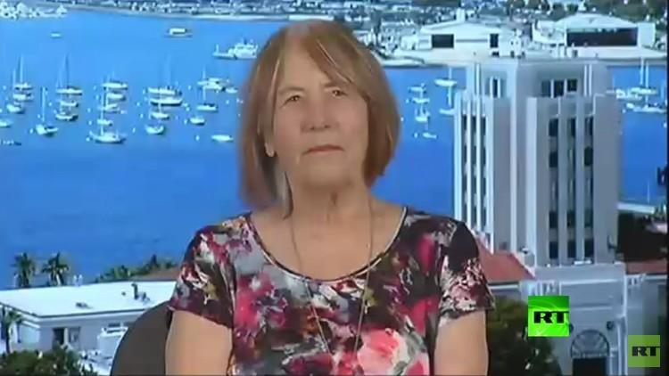 والدة أحد ضحايا هجوم بنغازي لـRT: أطالب بمحاكمة هيلاري كلينتون مجددا