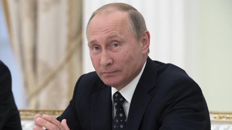 بوتين يبقي الباب مفتوحا بشأن ترشحه للرئاسة