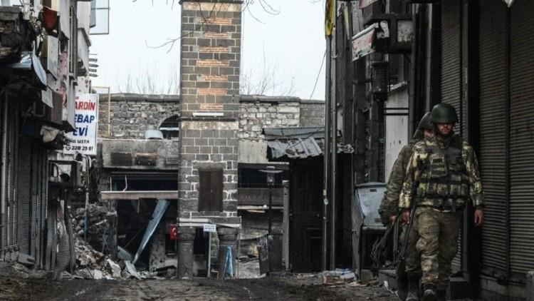 قتلى وجرحى باشتباكات بين الجيش التركي ومسلحي العمال الكردستاني