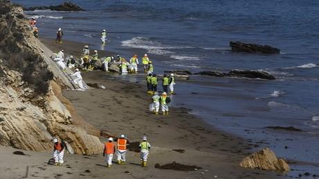 ملياردير نرويجي يتبرع لتنظيف المحيطات