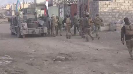 تواصل معارك البلدة القديمة بأيمن الموصل