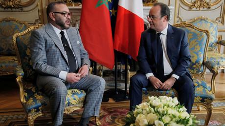الرئيس الفرنسي فرانسوا هولاند وعاهل المغرب الملك محمد السادس في الإليزيه
