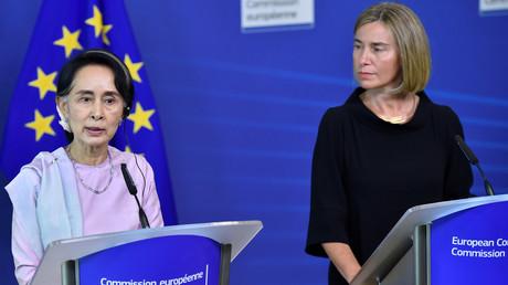 زعيمة ميانمار أونغ سان سو كي ومسؤولة السياسة الخارجية بالاتحاد الأوروبي فيديريكا موغيريني