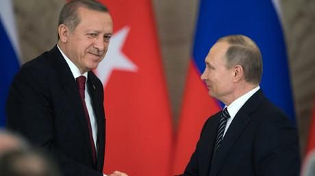 الرئيسان الروسي فلاديمير بوتين والتركي رجب طيب أردوغان