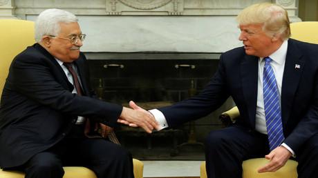 الرئيسان الأمريكي دونالد ترامب والفلسطيني محمود عباس