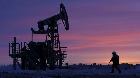 روسيا تميل لتمديد اتفاق خفض الإنتاج النفطي