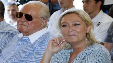 أرشيف  - مارين لوبان ووالدها جان ماري لوبان - فرنسا -  7 سبتمبر 2014