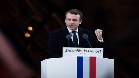 إمانويل ماكرون بعد فوزه في الانتخابات الرئاسية الفرنسية، في متحف اللوفر، باريس، فرنسا، 7 مايو 2017