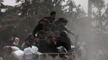 نازحون من الرقة السورية