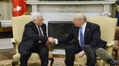 الرئيس الأمريكي دونالد ترامب مع الرئيس الفلسطيني محمود عباس