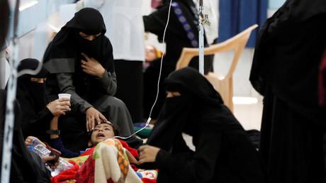 طفل مصاب بالكوليرا في اليمن