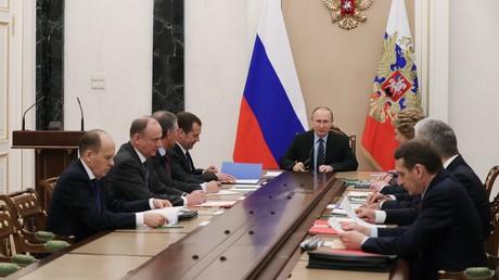 الرئيس فلاديمير بوتين يترأس اجتماعا لمجلس الأمن الروسي